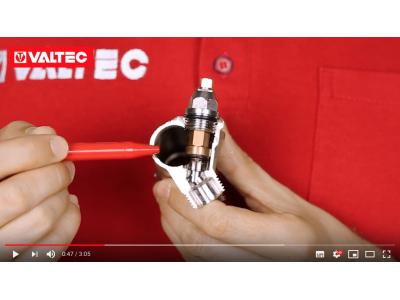 На видео: коллектор с регулирующими вентилями VTc.570
